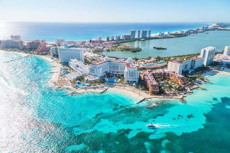 Visit Cancun with cheap flights from Canada