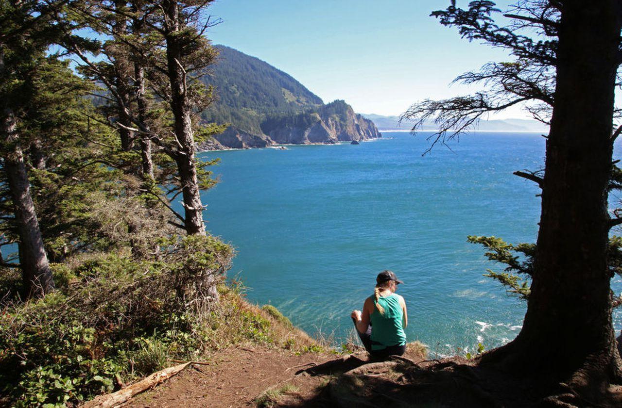 Oregon Coast solo female travel destination for international women's day 2020